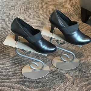 Clark's Artisan Shoe/bootie. GUC Sz 8.5